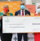 Avon Justine brings cheer to Mandela Children's Hospital